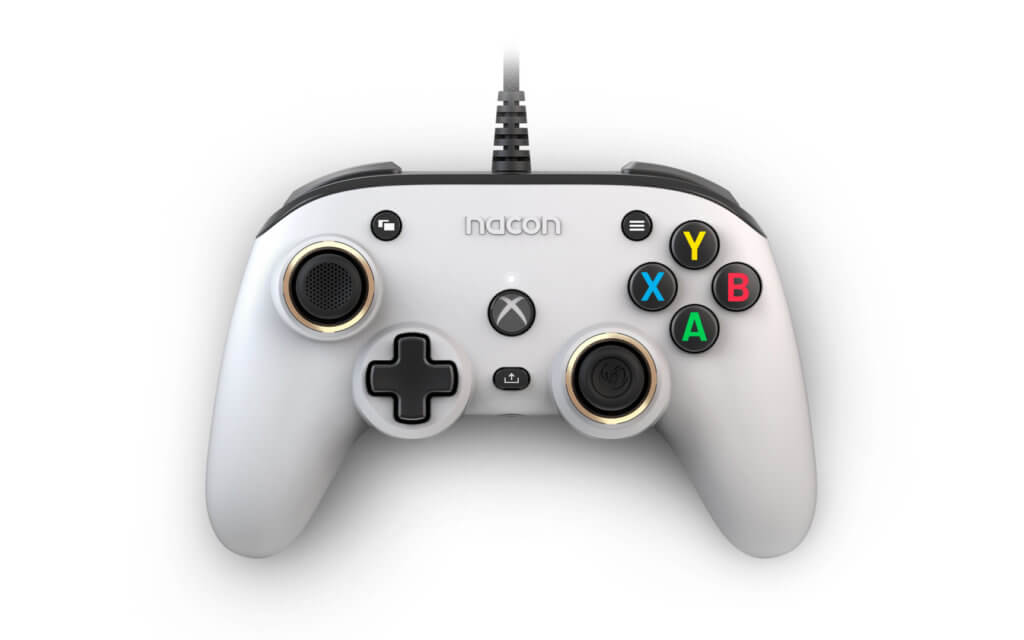 Xbox Compact Controller White 01