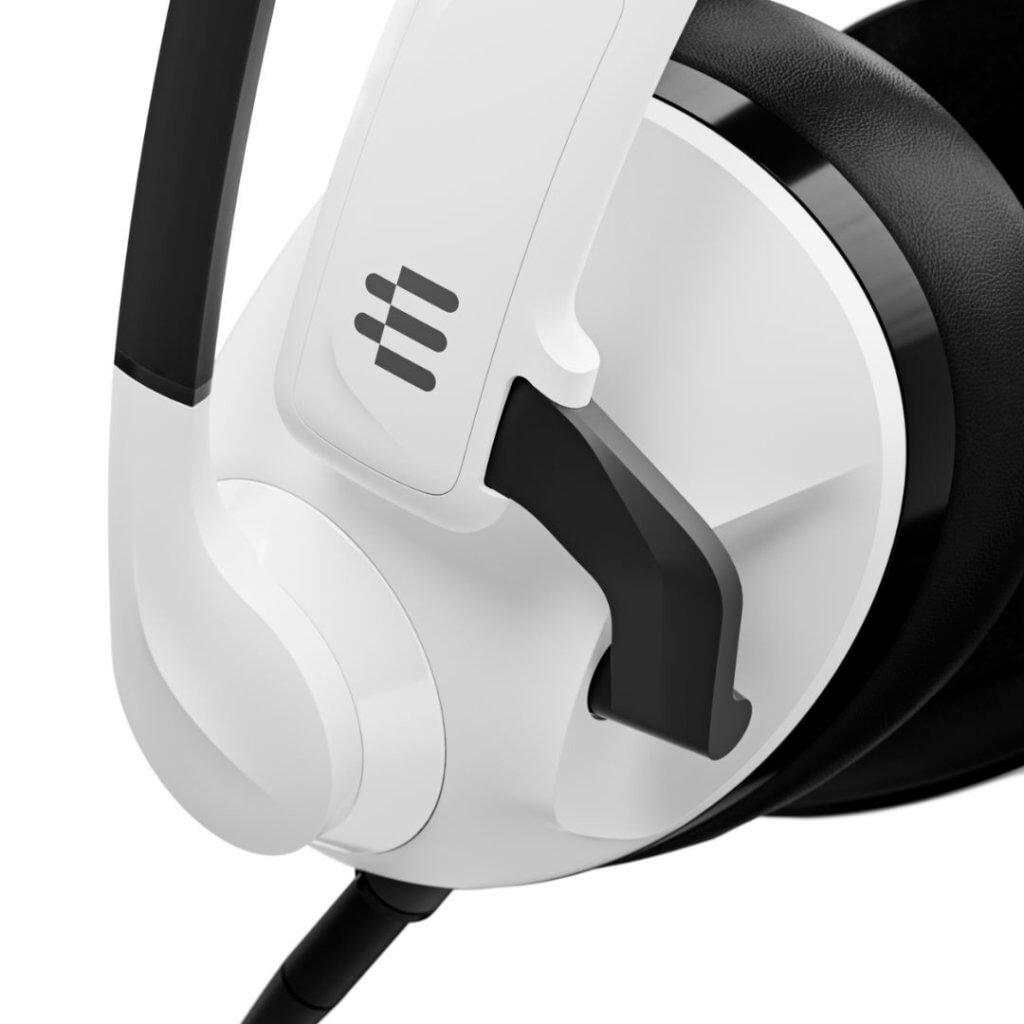 h3 white b5 close up