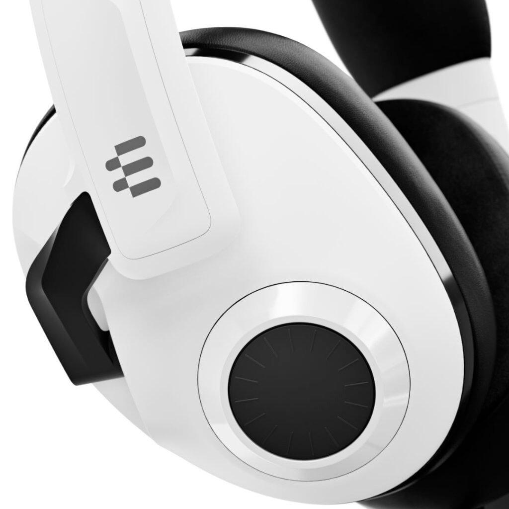 h3 white b6 close up